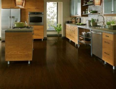 clean laminate wood floors
