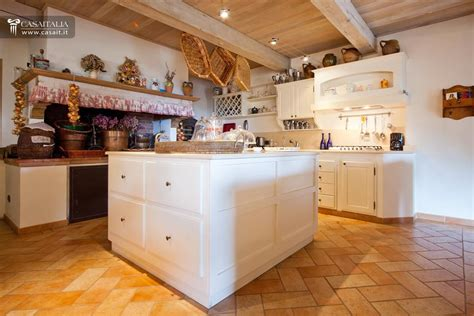 cucina con camino villa for sale on lake trasimeno