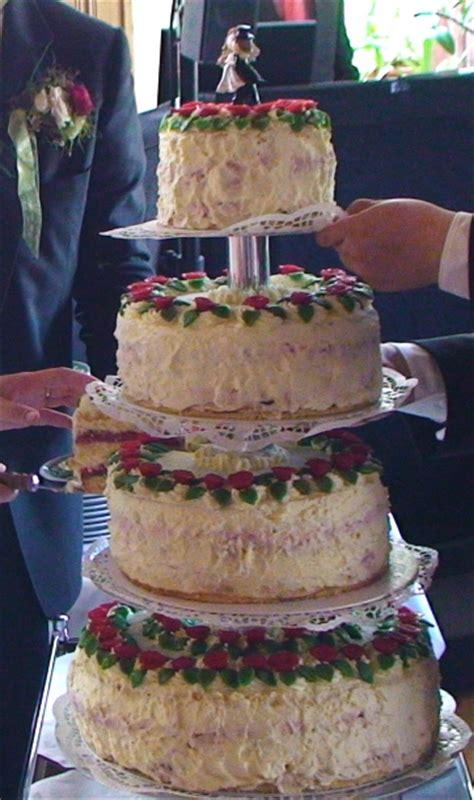 Hochzeitstorte 80 Personen by Tortenplanung Einfach Gemacht Emi S Backformenladen
