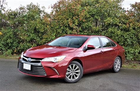 toyota camry 2017 2017 toyota camry hybrid xle the car magazine