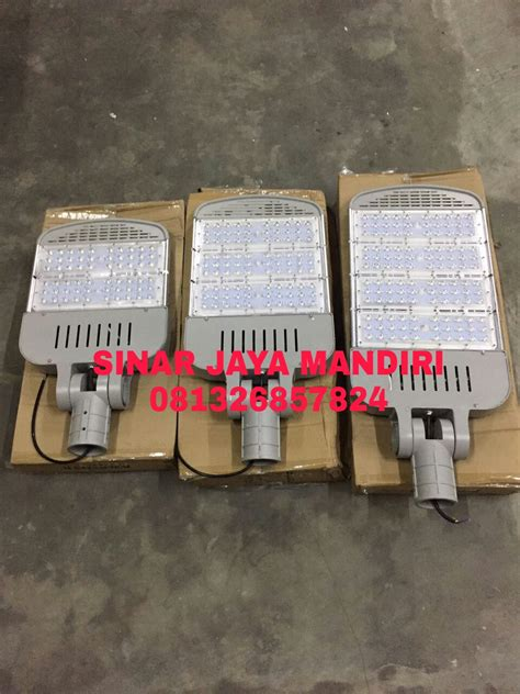 Lu Led Pju Philips pju led mata chip philips sinar jaya mandiri gedung