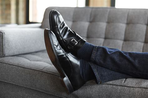 guys wearing shoes how to dress better with shoes and impress the