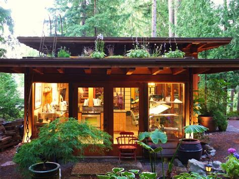 prefab backyard guest house 25 best ideas about backyard guest houses on pinterest