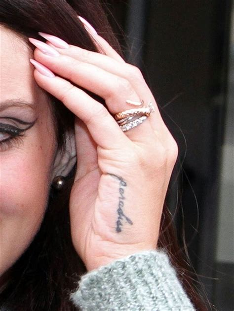 tattoo hand lana del rey lana del rey pictures lana del rey greets her fans in
