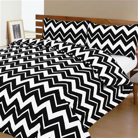 black chevron bedding top 28 chevron black and white bedding 1000 ideas