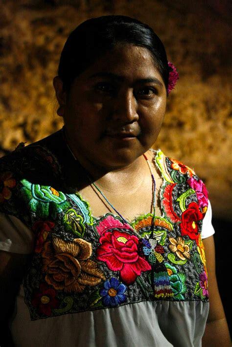 imagenes de personas mayas grupo altruista celebra movimiento anual de retratos en