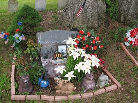 eternal lights for graves 1000 images about cemetery decoration ideas on pinterest