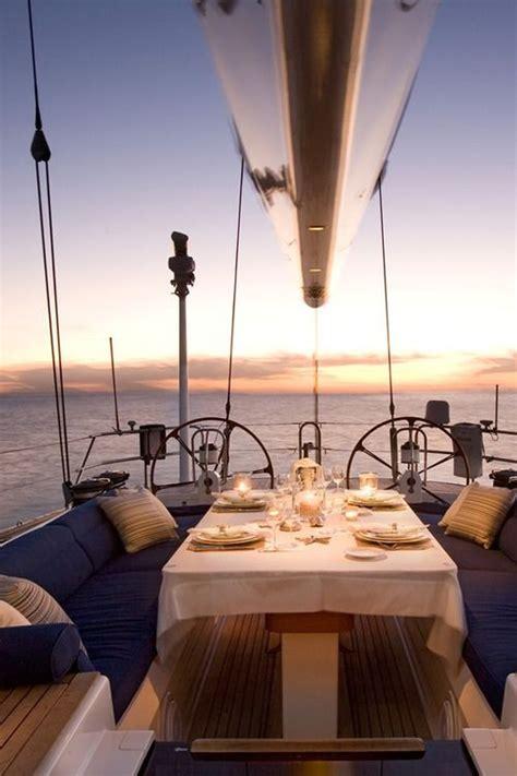 dinner on a boat daytona pourquoi louer un bateau pour les vacances le blog de