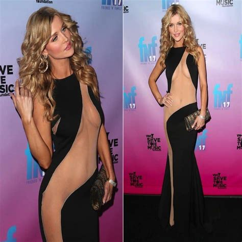 Tunik Heidy 20 of the most shocking dresses worn on the carpet