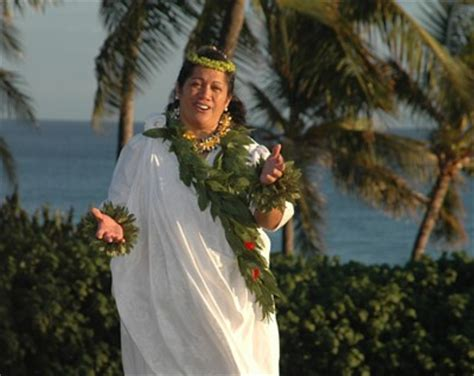 traditional hawaiian chants hawaii wedding ministers in hawaii and the island of oahu