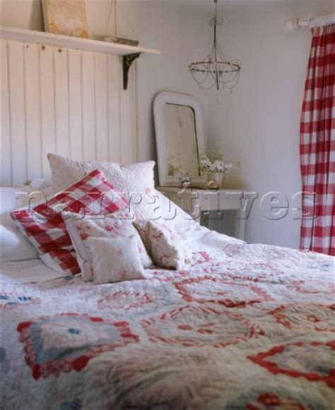 bedrooms with quilts a country bedroom in red and white wood panelling double