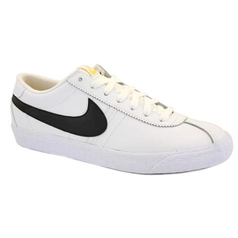 nike bruin low 537332 100 mens laced suede trainers white