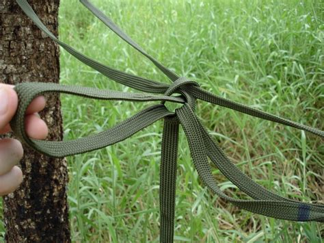 Hammock Knots Tree knots for securing the mosquito hammock to two trees