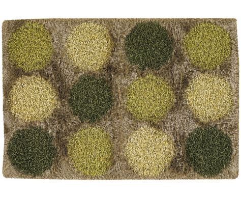 spotted shag rugs to color your floors