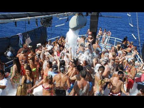 catamaran party boat bodrum bodrum mavi deniz teknesi k 246 p 252 k partisi 1 youtube