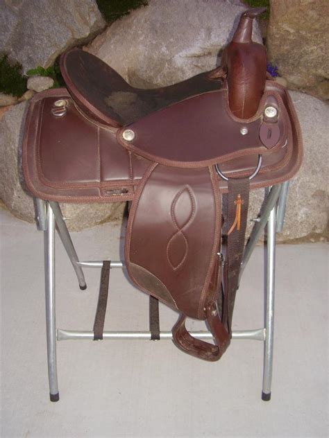 horse tack with lights used 15 quot western trail saddle horse tack light weight by