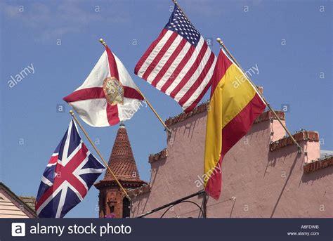 banderas lejanas la 8441421196 ayuntamiento de la florida usa con banderas espa 209 olas el dia de la hispanidad p 225 gina 2