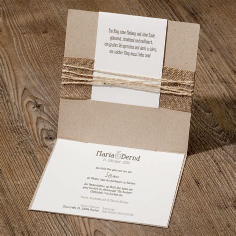 Hochzeitseinladungen Mit Band by Hippe Hochzeitseinladung Auf Packpapier Mit Jute Banderole