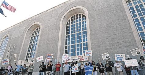 new york sports news news 12 bronx news 12 bronx st of disapproval over bronx post office sale ny