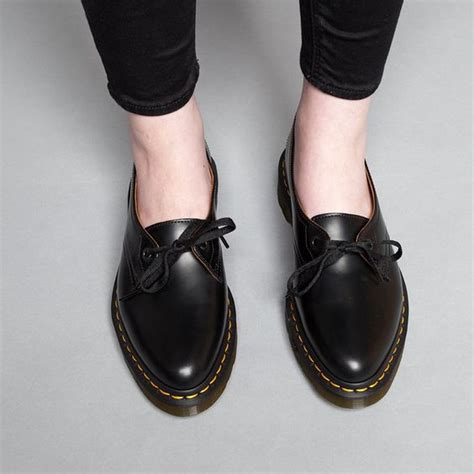 Flat Shoes Nobody dr martens siano shoes flat shoes follow me and doc martens