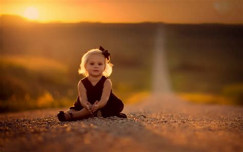 small beautiful pics cute small girl on the lonely road new hd wallpapernew