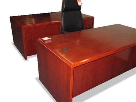 Used Wood Desk by Used Solid Wood Office Desks And Computer Furniture From