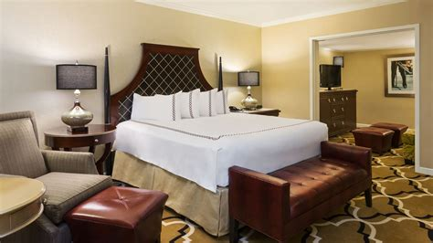 2 bedroom suites in new orleans 2 bedroom suites in new orleans embassy suites by hilton