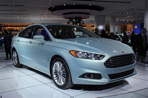 2012 Ford Fusion Mpg by Naias 2013 Ford Fusion Debuts Along With 47 Mpg Hybrid