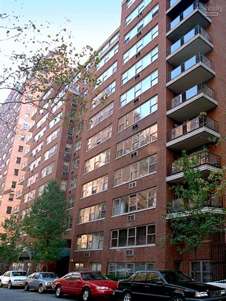 three bedroom apartment east 55th street in new york sutton gardens 420 east 55th street nyc apartments
