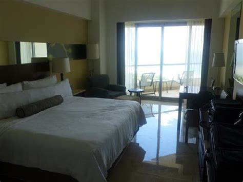 live aqua rooms oceanview oceanfront rooms both great views similar layout and size picture of