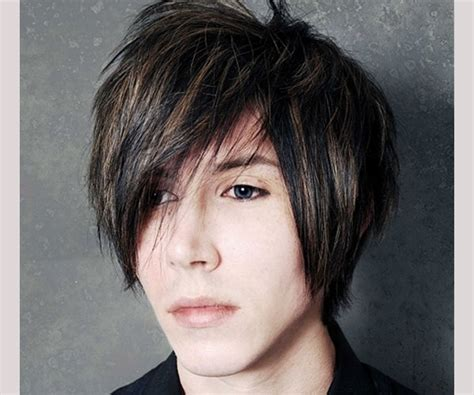 emo hairstyles short hair guys hairsttyle with emo side fringe for men hairstyle ideas