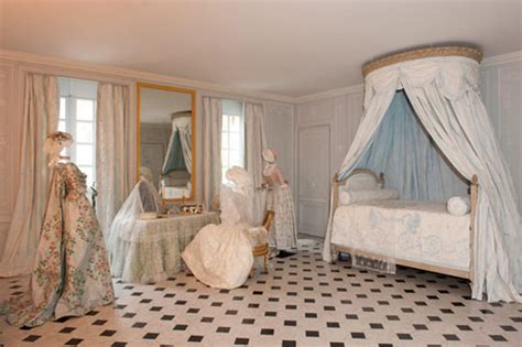 marie antoinette bathroom this is versailles marie antoinette s bathrooms