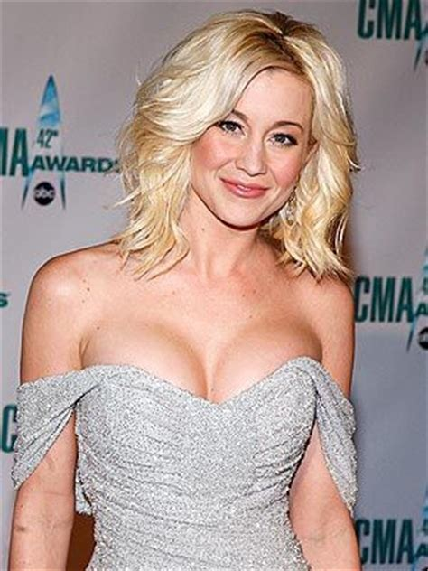 women country music singers with short hairstyles 17 best images about kellie pickler on pinterest derek
