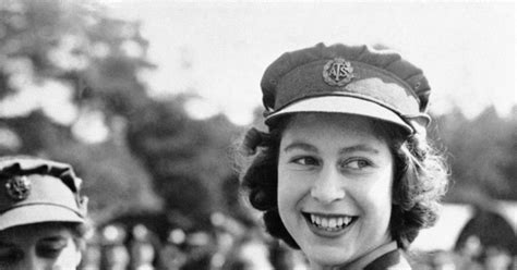 Queen Elizabeth II, 1945   Photos   The life and reign of