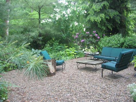 giardino con ghiaia ghiaia da giardino come trasformare l area esterna in