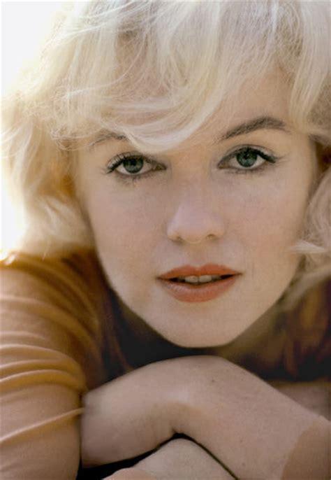 Beautiful Marilyn Monroe Hairstyle