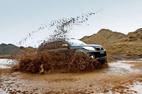 Autobild Co Id by Melakukan Kegiatan Ekstrim Dengan Toyota Rush Siapa