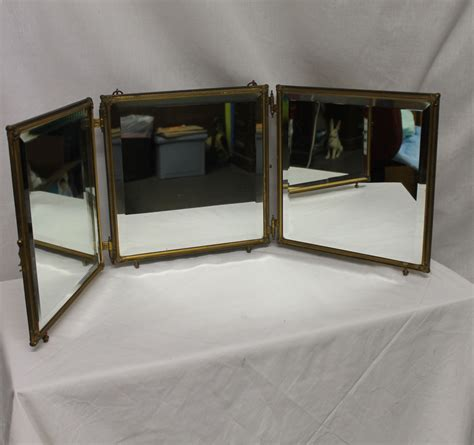Vanity With Fold Up Mirror by Bargain S Antiques 187 Archive Fold Up Three Way