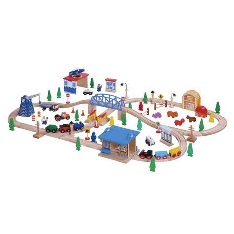 thomas the train brio set 100 piece wooden train set bigjigs brio thomas elc