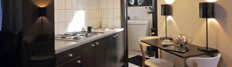 Formidable Amenager Une Cuisine En Longueur #4: meublo-header-article-optimiser-lespace-dans-une-cuisine-couloir.jpg