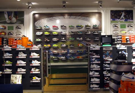 sporting shoe stores shoe sports stores 28 images 17 best ideas about nike