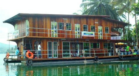 tasik kenyir boat house 10 super weird houses you didn t expect to find in malaysia cilisos current