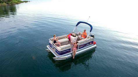 16 pontoon boat 2015 sun tracker party barge 16 dlx review top speed