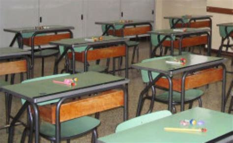 banchi scuola elementare terni terremoto gli edifici scolastici sono agibili le