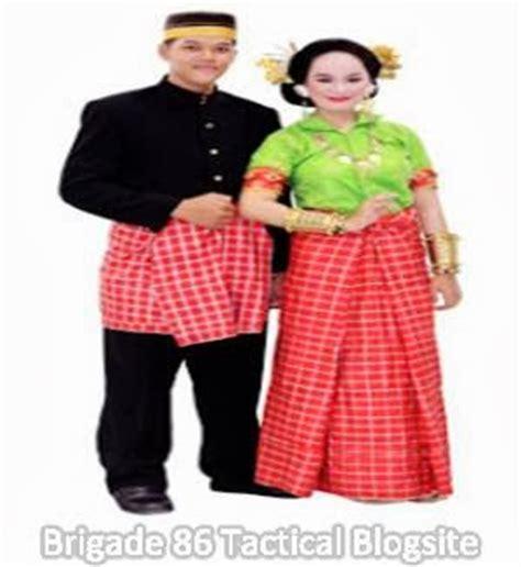 nama nama pakaian adat daerah lengkap  gambar