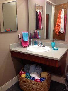 dorm bathroom ideas 1000 images about dorm bathroom on pinterest dorm