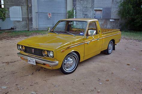 yellow toyota 100 yellow toyota truck toyota hilux 1989 1993