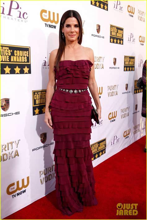Sandras Carpet by Tapete Vermelho Do Critics Choice Awards 2014
