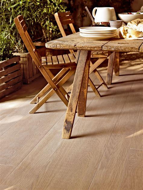 rivestimento effetto legno pavimento rivestimento effetto legno per esterni treverk