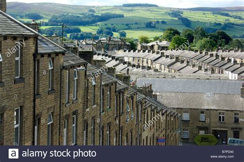 buy house yorkshire rows of terraced houses in skipton north yorkshire stock photo royalty free image